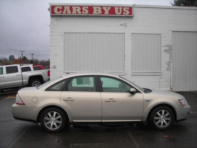 Pre-Owned 2009 Ford Taurus SEL
